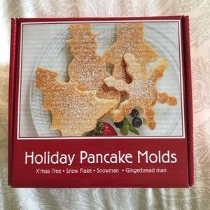 New Holiday Pancake Molds - Breakfast Fun!